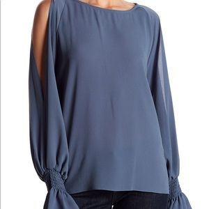 NWT Vince Camuto Cold Shoulder Flare Cuff Top